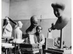Emilio Greco nello studio di Villa Massimo a Roma