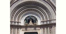 La Maestà - Copia installata sulla facciata del Duomo nel Giugno 2009